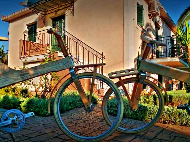 The bicycles of COCO-MAT in front of Acroploro during Pumpkin & Bamboo